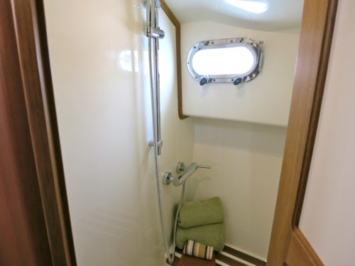 No wet head on this 31 foot boat, she features a separated shower.